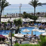 PMI03_Hipotel Hipocampo Playa_pool_meeresblick