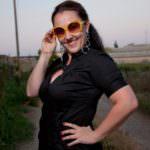 Melanie Stocker mit Sonnenbrille