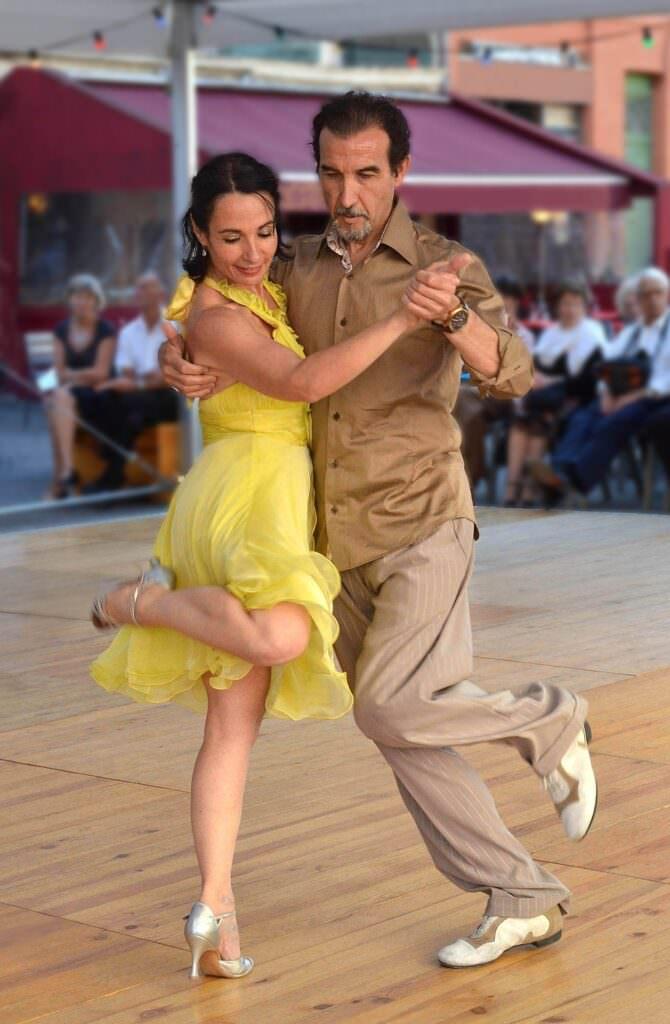 Tangopaar in einer Drehung